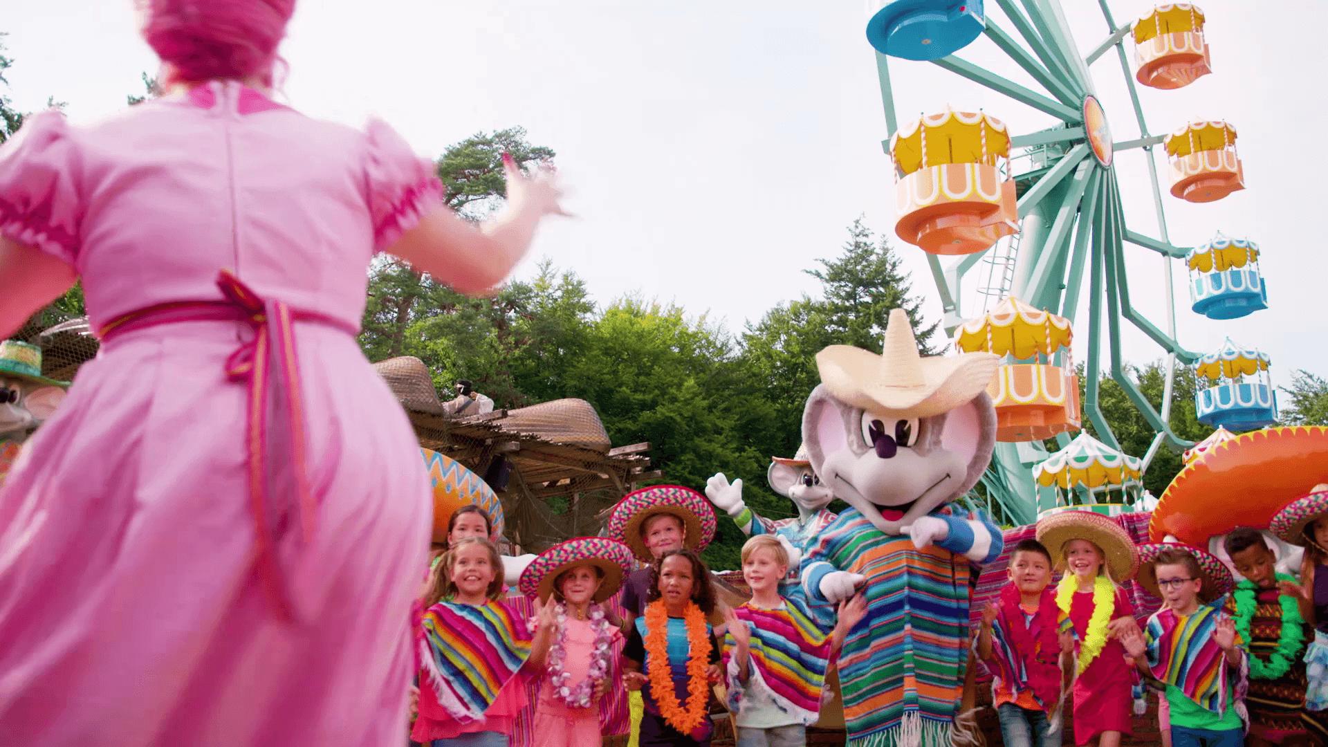Zomerweken-vakantie-Kinderpretpark-Julianatoren-Mexicaanse-Dansshow